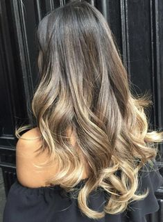 Balayage Blonde Ends - 20 Fabulous Brown Hair with Blonde Highlights Looks to Love - The Trending Hairstyle Hair Dye Colors, Ombre Hair Color, Hair Color Balayage, Blonde Balayage, Brown Hair Colors, Hair Highlights, Short Balayage, Caramel Highlights, Ombre Hair Style