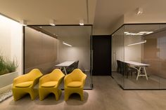 Smart Towers sales center by Keren Atzmon, Ramat Gan – Israel
