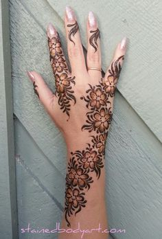 Stained - henna artist in Tampa Florida for bridal mehndi , henna tattoo , and henna design ebooks for the henna community. Pretty Henna Designs, Latest Henna Designs, Floral Henna Designs, Indian Henna Designs, Modern Mehndi Designs, Mehndi Designs For Fingers, Unique Mehndi Designs, Mehndi Design Pictures, Beautiful Mehndi Design