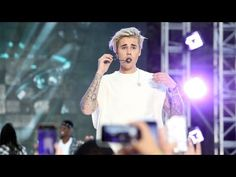 Justin Bieber Performs 'Sorry' - YouTube