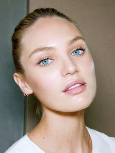 We adore this natural no-makeup makeup look on Candice Swanepoel.
