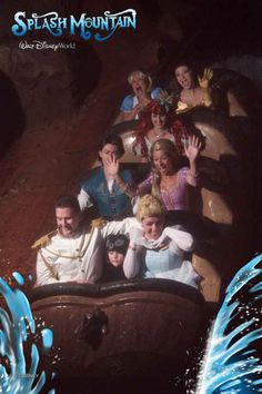 Disney Princesses On Splash Mountain. Love the random bear cub kid with Cinderella and Prince Charming. Also how Ariel is forever alone. Disney Magic, Walt Disney, Disney Dream, Disney Love, Disney Parks, Disney Stuff, Humour Disney, Disney Memes, Disney And Dreamworks