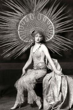 Ziegfeld girl Myrna Darby, 1920s