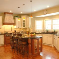 Bay Window Kitchen Design Ideas, Pictures, Remodel, and Decor - page 9
