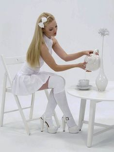 Cutie in white – Dowdy Dove Cameron Dove And Thomas, Dove Cameron Style, White Tights, Sofia Carson, Cameron Boyce, Hot Blondes, Cute Girls, Ideias Fashion, Girly