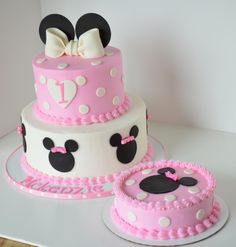 Adorable Minnie Mouse cake and smash cake but in red instead of pink