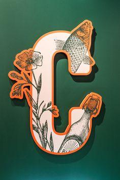 Loaded For Bear - Cordelia's Market - Work Minimalist Graphic Design, Graphic Design Print, Graphic Design Branding, Typography Design, Inspiration Logo Design, Typography Inspiration, Environmental Graphics, Environmental Design, Old School Design