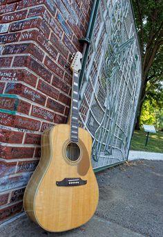 Fender Elvis Presley Guitar