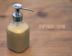 produit vaisselle : 50 g de savon de Marseille râpé, 1 cuil à soupe de bicarbonate de soude, 1 cuil à soupe de vinaigre blanc, 1 cuil à soupe de cristaux de soude, 20 g HE et 0.8 litre d'eau bouillante