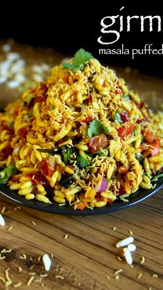 girmit recipe masala puffed rice north karnataka mandakki upkari is part of Indian food recipes - video popular street food recipe which is also known as churmuri Puri Recipes, Spicy Recipes, Cooking Recipes, Rice Puff Recipes, Egg Recipes, Pasta Recipes, Indian Veg Recipes, Indian Dessert Recipes, Mango Salat