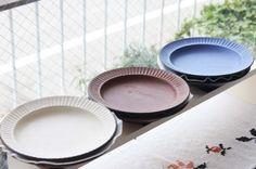 ヒヅミ峠舎のうつわ  今回は染付に加えマッドなカラーのお皿が入荷しています  サラダなどお野菜を盛り付けても映えることでしょう  #ヒヅミ峠舎 #うつわ #器 #洋食器