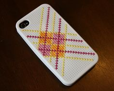 OnJenny Makes Stuff, we found this really creativeiPhone covershe designed in EQ7. Its so darling and such a creative use of EQ7 that we had to show you.    Jenny writes,Ive had the case for a few weeks and just couldnt decide on a de