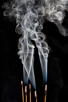 In a completely dark room, I used the flash to freeze the smoke and half a second exposure to capture the burning fire Incense Photography, Smoke Photography, Motion Photography, Burning Incense, Incense Burner, Incense Cones, Incense Sticks, Et Wallpaper, Ayurvedic Herbs
