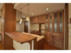Onocom Design Center キッチンと背面収納は奥さまお気に入りのシャルドネ製。