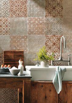 le plus beau carrelage dans la salle de bain, style rétro vintage avec du caractère