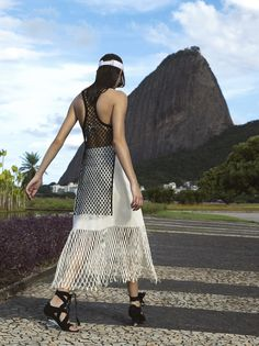 Summer in Rio – Issuu Spring Fashion, Winter Fashion, Summer Looks, Summer Fun, High Fashion Looks, Editorial Fashion, Outfit Of The Day, Fashion Models, Cool Style