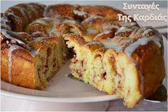 Πιστεύω ότι το σημερινό μας γλυκάκι θα σας ενθουσιάσει αν το φτιάξετε τόσο πολύ, όσο ενθουσίασε κι εμένα.  Έχω φτιάξει κατά καιρούς ρολάκι... Greek Sweets, Greek Desserts, Greek Recipes, Sweets Recipes, Cooking Recipes, Greek Cake, Low Calorie Cake, Brownie Cake, I Love Food