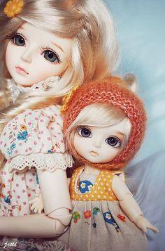 The two dreamers Anime Dolls, Blythe Dolls, Pretty Dolls, Beautiful Dolls, Barbie Fashionista Dolls, Miniature Photography, Cute Baby Dolls, Cute Cartoon Girl, Cute Girl Wallpaper