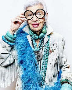 "Portrait of Iris Apfel photographed by Luis Mora of @kzmagency for The Kit ""The Glamour Issue"". To find out more about KZM Agency -check out the link in the bio 👆🏼  #photographyagent#editorialphotography#celebrityphotographer"