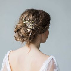 Items similar to Flower hair comb Hair comb for bridal veil Wedding hairpiece Flower comb Floral hairpiece Pearl bridal piece Pearl hair pin Hair comb pearl on Etsy Bridesmaid Hair Updo, Prom Hair Updo, Bridal Hair Updo, Hair Comb Wedding, Wedding Hair Pieces, Wedding Hair And Makeup, Wedding Hair Accessories, Wedding Stuff, Hairdo Wedding