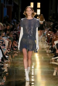 The only source for fashion, style and beauty - Vogue Australia Carla Zampatti, Alex Perry, Vogue Australia, Australian Fashion, Fashion Sewing, Supermodels, Dress Skirt, Ready To Wear, Fashion Show