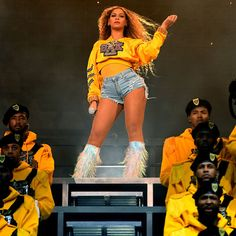 Beyonce Knowles Photos - Beyonce Knowles performs onstage during 2018 Coachella Valley Music And Arts Festival Weekend 1 at the Empire Polo Field on April 2018 in Indio, California. - 2018 Coachella Valley Music And Arts Festival - Weekend 1 - Day 2 Beyonce Body, Beyonce Style, Beyonce And Jay Z, Blue Ivy Carter, Ray Charles, Balmain, Houston, Beyonce Coachella, Dreams