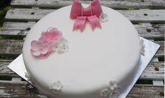 Dåpskake jente - Cakeplease