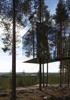 Tree Hotel, Harads. More here: http://www.tvark.se/treehotel/