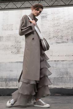 Giorgio Armani Resort 2019 Fashion Show Collection: See the complete Giorgio Armani Resort 2019 collection. Look 15
