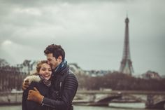 A lot of fun with Laeticia & Antoine with the Eiffel Tower in the background - WESHOOT Paris Photo Session