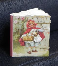 Dollhouse Miniature FROSTY THE SNOWMAN thin non-opening  Book