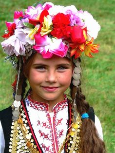 Young Bulgarian girl in traditional folk costume- style inspiration We Are The World, People Around The World, Around The Worlds, Folk Costume, Costumes, Adorable Petite Fille, Eastern Europe, Beautiful Children, World Cultures
