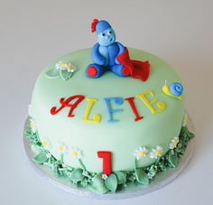 In the night garden, iggle piggle birthday cake Garden Birthday Cake, Boys 1st Birthday Cake, Birthday Ideas, Garden Cakes, Night Garden, Character Cakes, Fondant Tutorial, Just Cakes, Novelty Cakes