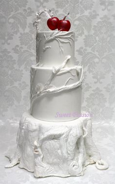 White Wedding Cakes inspired by snow white. A little much for a birthday but we LOVE it! Snow White Wedding, White Wedding Cakes, Gorgeous Cakes, Pretty Cakes, Unique Cakes, Creative Cakes, Snow White Cake, White Cakes, Gateaux Cake