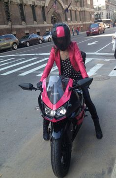 so not a motorcycle girl, but if i did you best believe this is how i would do it.