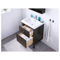 IKEA - HEMNES / ODENSVIK, Szafka pod umywalkę z 2 szufladami, bejca czarno-brązowa, , Gładko chodzące samodomykające się szuflady z blokadą.Można wygodnie przeglądać i sięgać po swoje rzeczy, bo szuflady są całkowicie wysuwane.Dołączony w komplecie syfon łatwo podłączyć do odpływu, pralki czy suszarki, bo jest elastyczny.Unikalnie zaprojektowany syfon pozwala zmieścić pełnowymiarową szufladę.