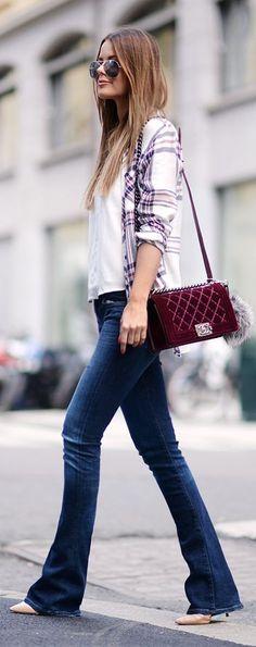 casual chic: jeans, salto e camisa xadrez