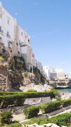 Puglia travel diary including the beautiful towns of Arbellobello, Locorotondo, Ostuni and Polignano a Mare which are a must visit in the region.  #ItalyTravel