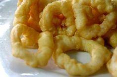 Calamares Rebozados Te enseñamos a cocinar recetas fáciles cómo la receta de Calamares Rebozados y muchas otras recetas de cocina.. Bacon Jam, Onion Rings, Shrimp, Seafood, Meat, Cooking, Ethnic Recipes, Curry, Salads