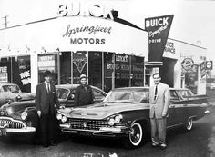 Sharp dressers down at Springfield Buick… 1959 Used Car Lots, Used Cars, Buick Cars, Best Muscle Cars, Vintage Cars, Vintage Auto, Retro Cars, Vintage Photos, Car Shop