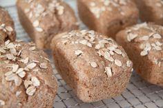Brot backen: Mini-Brotlaiber, optimal zum Einfrieren. Schnell gemacht - mit dem ultimativen Mini-Kastenform-Tipp. Super für alle, die frisches Brot lieben.