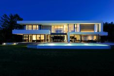 Villa K 001 kopi Double Story House, Expensive Houses, Glass House, Home Fashion, Bauhaus, Future House, Luxury Homes, Beach House, Mansions