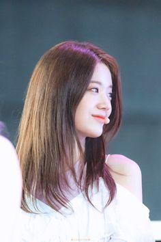 South Korean Girls, Korean Girl Groups, Pre Debut, Love Is Sweet, Covergirl, Asian Beauty, My Photos, Idol, Actresses
