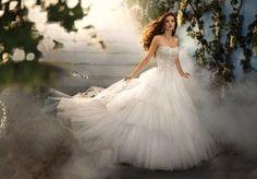 sprookjesachtige bruidsjurk van alfred angelo geinspireerd op assepoester