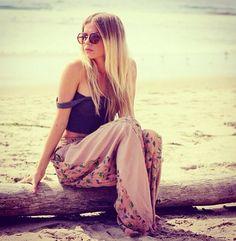 Loooove this beach outfit!