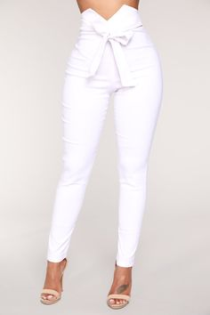 Pants for women, clothes for women, white pants outfit, white Girls Pants, Pants For Women, Clothes For Women, All White Clothes, Classy Outfits, Stylish Outfits, Preppy Outfits, Work Outfits, Beautiful Outfits