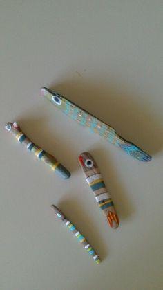 Peces. Palos de la playa y pintura.   C.  Fraile