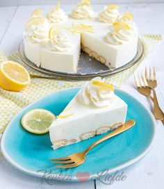 Limoncello cheesecake with long fingers - Kitchen ♥ Love - Long finger limoncello cheesecake - Limoncello, Cupcakes, Cake Cookies, Cupcake Cakes, Sweet Desserts, Sweet Recipes, Delicious Desserts, Pie Cake, No Bake Cake