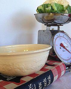 Homer Laughlin Oven Serve Floral Embossed by NonabelleVintage, $18.00