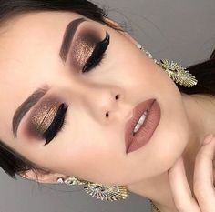makeup ♥ Holiday makeup looks; promo makeup looks; wedding makeup looks; makeup looks for brown eyes; glam makeup looks. makeup ♥ Holiday makeup looks; promo makeup looks; wedding makeup looks; makeup looks for brown eyes; glam makeup looks. Party Makeup Looks, Holiday Makeup Looks, Glam Makeup Look, Wedding Makeup Looks, Dramatic Wedding Makeup, Gorgeous Makeup, Winter Makeup, Weeding Makeup, Wedding Makeup For Brown Eyes